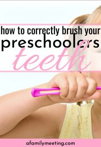 preschooler brushing teeth who knows how to brush a preschoolers teeth correctly